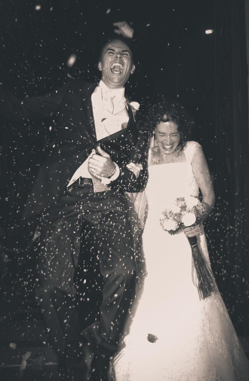 boda-momentazos de boda-fotografo-almería--divertido-espontaneo-blow up photo-02