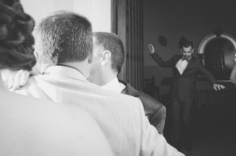 boda-momentazos de boda-fotografo-almería--divertido-espontaneo-blow up photo-03