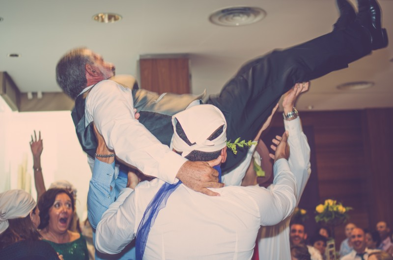 boda-momentazos de boda-fotografo-almería--divertido-espontaneo-blow up photo-05