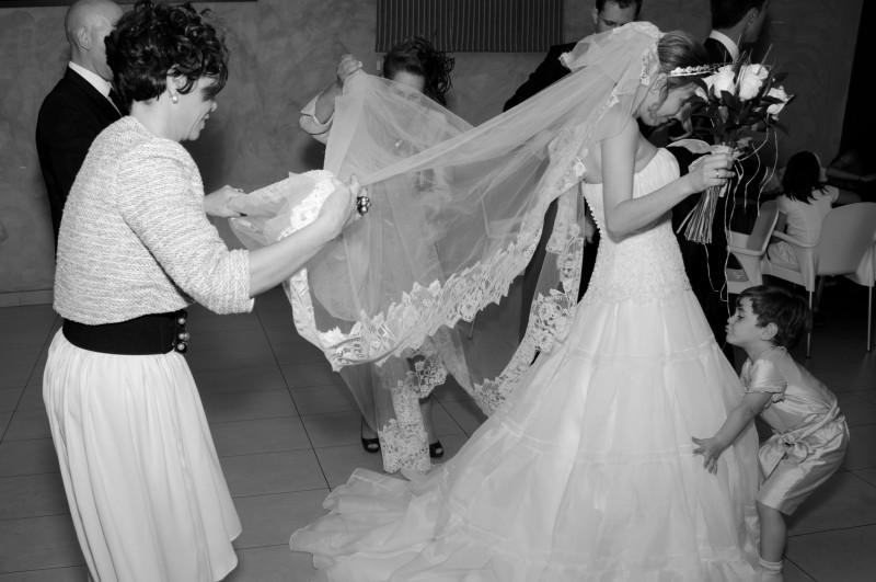 boda-momentazos de boda-fotografo-almería--divertido-espontaneo-blow up photo-06