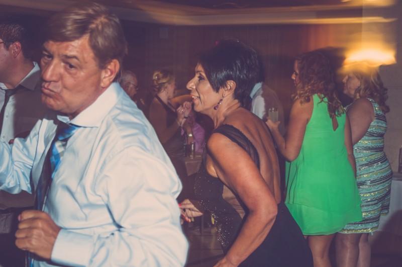 boda-momentazos de boda-fotografo-almería--divertido-espontaneo-blow up photo-08