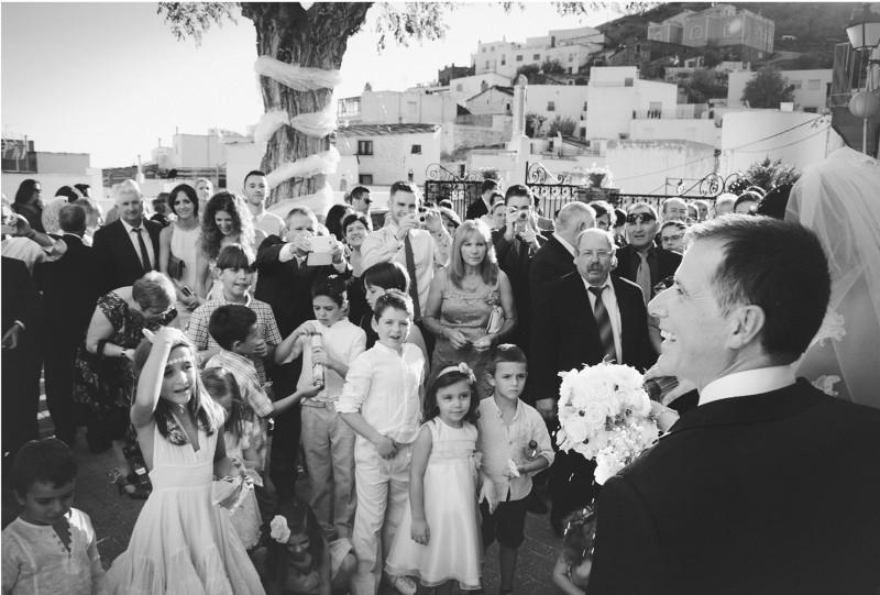 boda-momentazos de boda-fotografo-almería--divertido-espontaneo-blow up photo-25