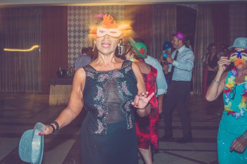 boda-momentazos de boda-fotografo-almería--divertido-espontaneo-blow up photo-27
