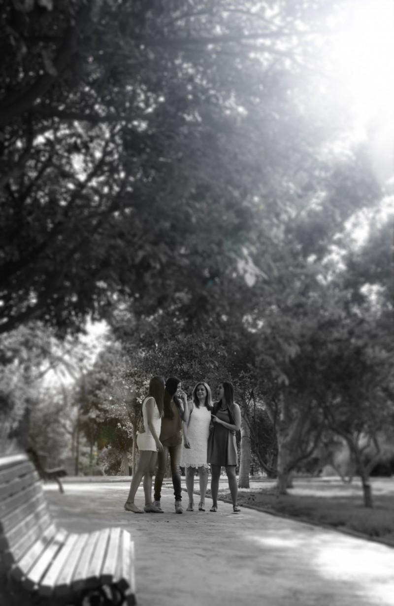 familia-niños-fotografo-almería-naturales-espontaneas-felices-blow up photo-11