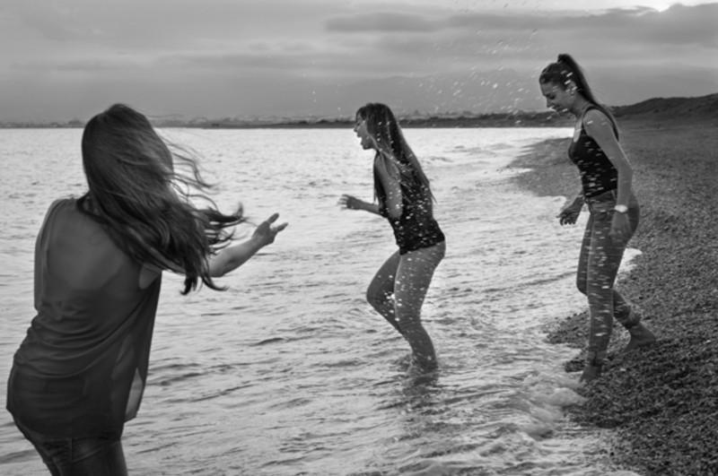 familia-niños-fotografo-almería-naturales-espontaneas-felices-blow up photo-23