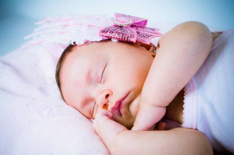 niños-niñas-bebés-fotografo-almería-naturales-tiernas-felices-blow up photo-20